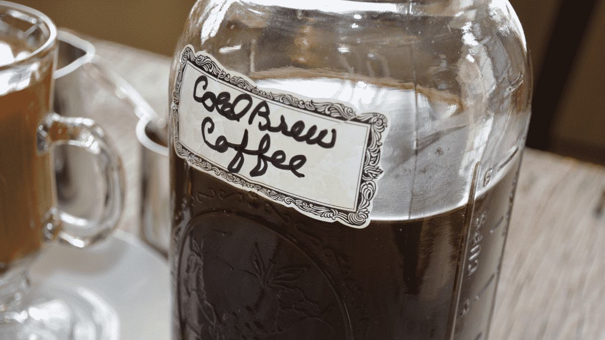 Making Cold Brew in a Mason Jar